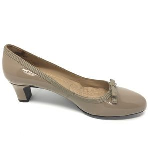 Easy Spirit Cushioned Rounded Toe Tan Pump Heels 8